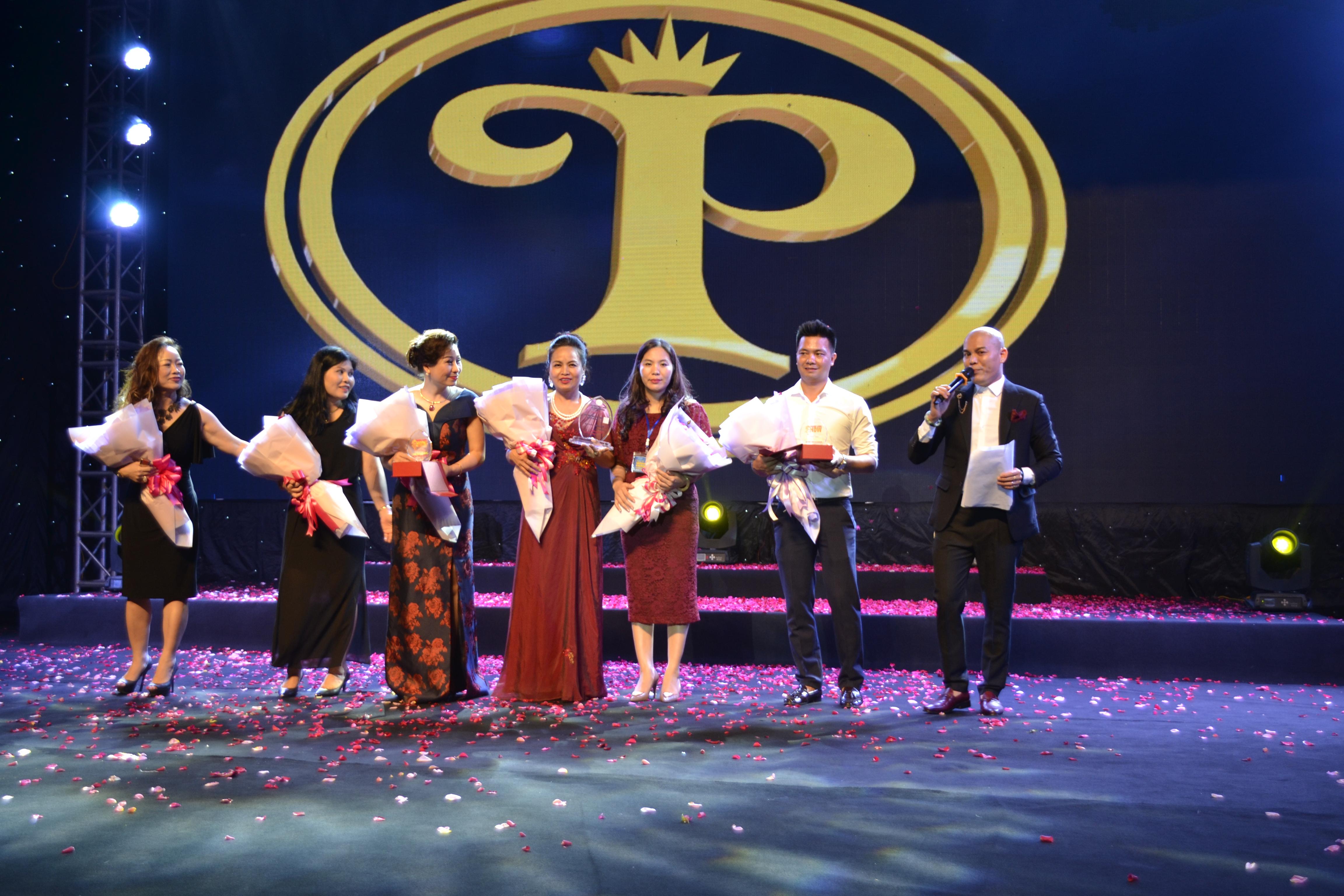 Công ty PT Casa hội ngộ cùng các doanh nghiệp tỉnh Lào Cai trong đêm nhạc