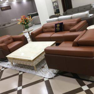 Tận hưởng những giây phút thư giãn với sofa da Ý sang trọng